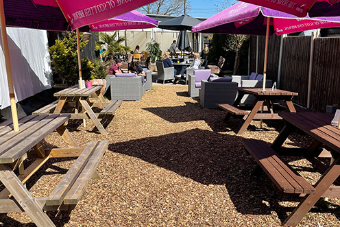The Fox and Hounds Sunshine Patio